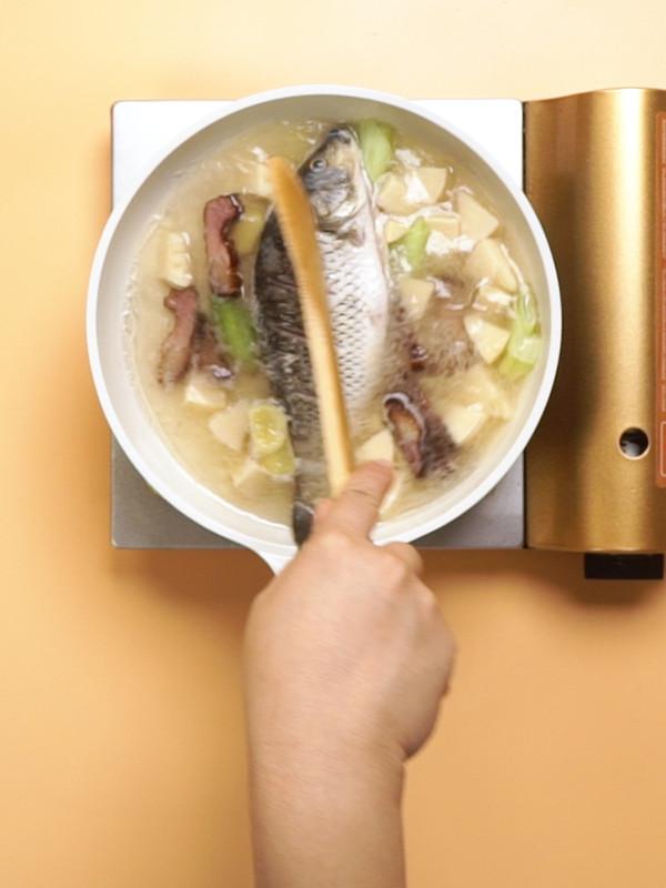 清炖鲤鱼的简单做法