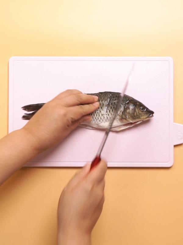 清炖鲤鱼的做法图解