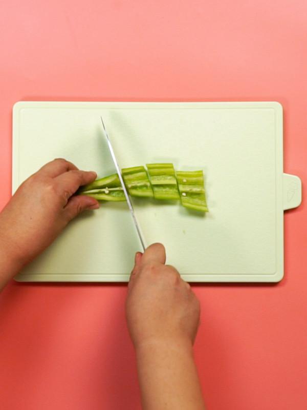 尖椒黄瓜干豆腐的做法图解
