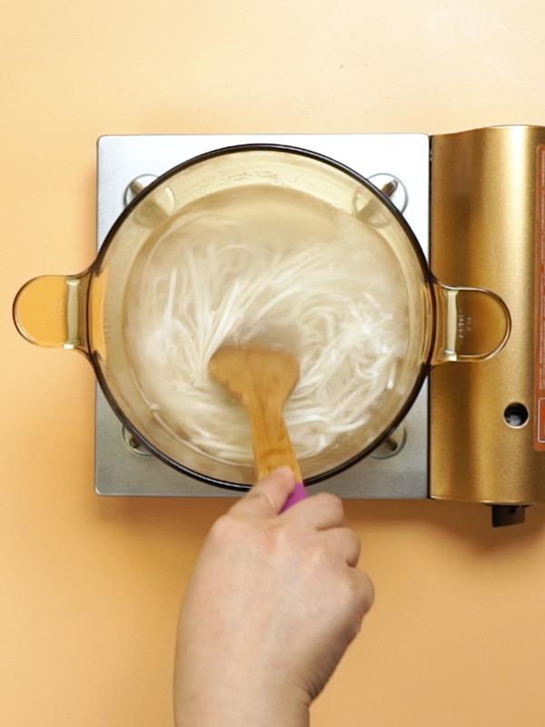 雪菜肉丝面的简单做法