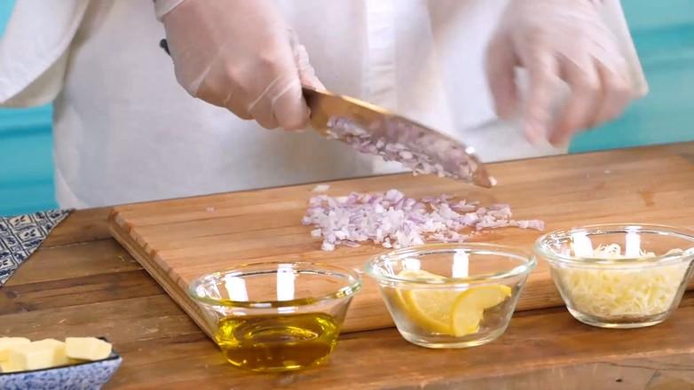 戴军教你三文鱼鸡汤烩饭,好吃到添盘的步骤