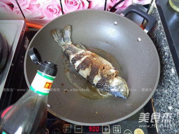 红烧鲫鱼怎样煸