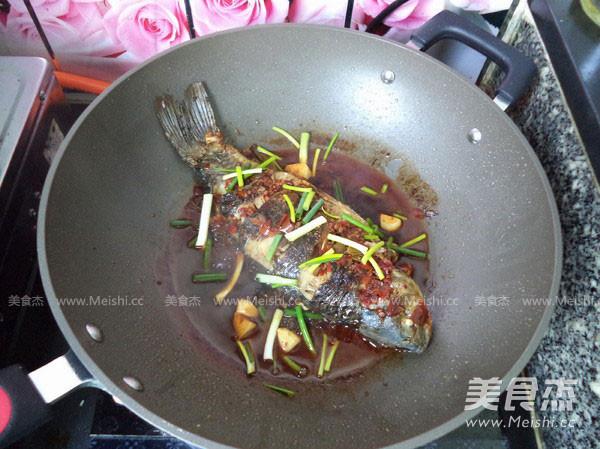 红烧鲫鱼的制作