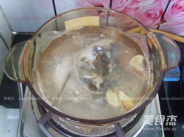 鱼头豆腐汤怎么吃