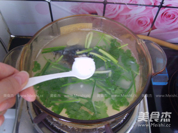 鱼头豆腐汤怎样煸
