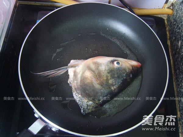 鱼头豆腐汤的家常做法
