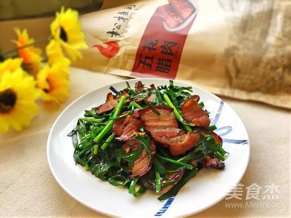 春韭炒腊肉成品图