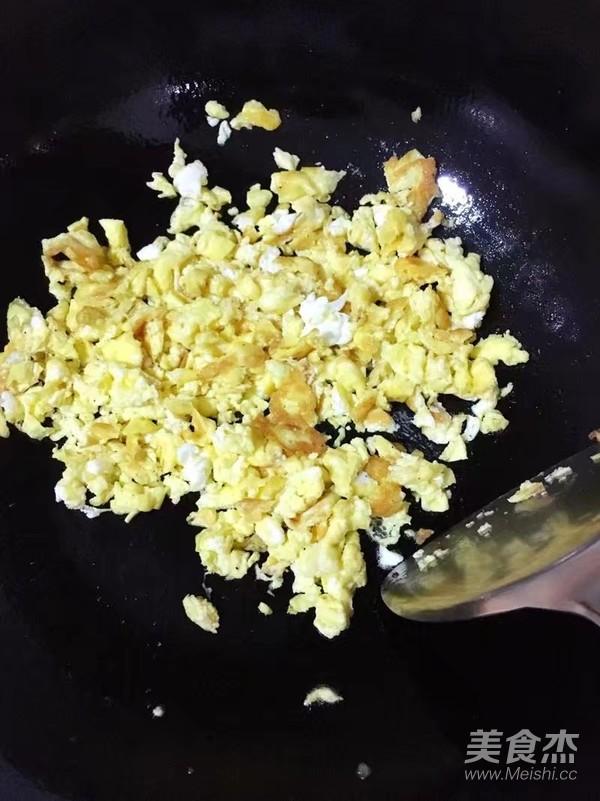 韭菜鸡蛋锅贴怎么做