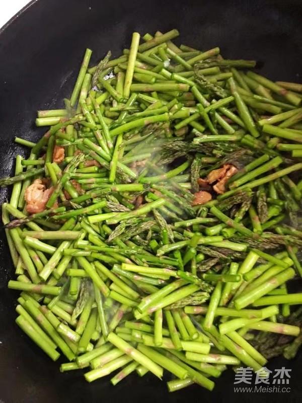 芦笋炒肉片怎么做