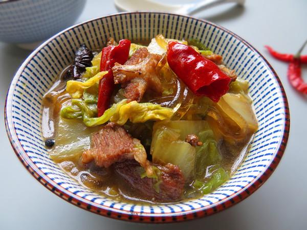 猪肉白菜炖粉条成品图