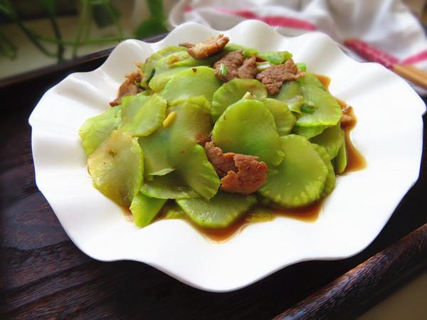 莴苣炒肉片成品图
