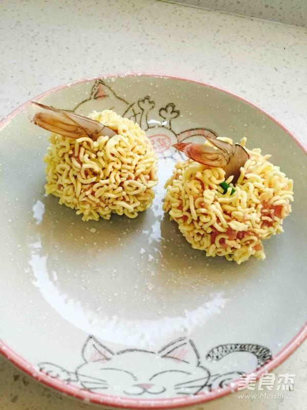 外脆里嫩-炸泡面虾丸怎么做