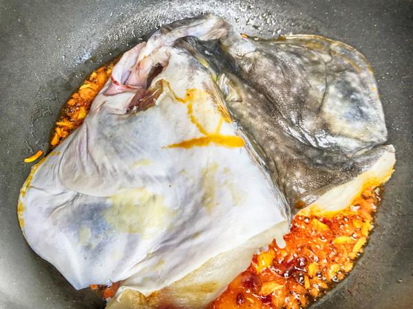 红烧碟鱼头的简单做法