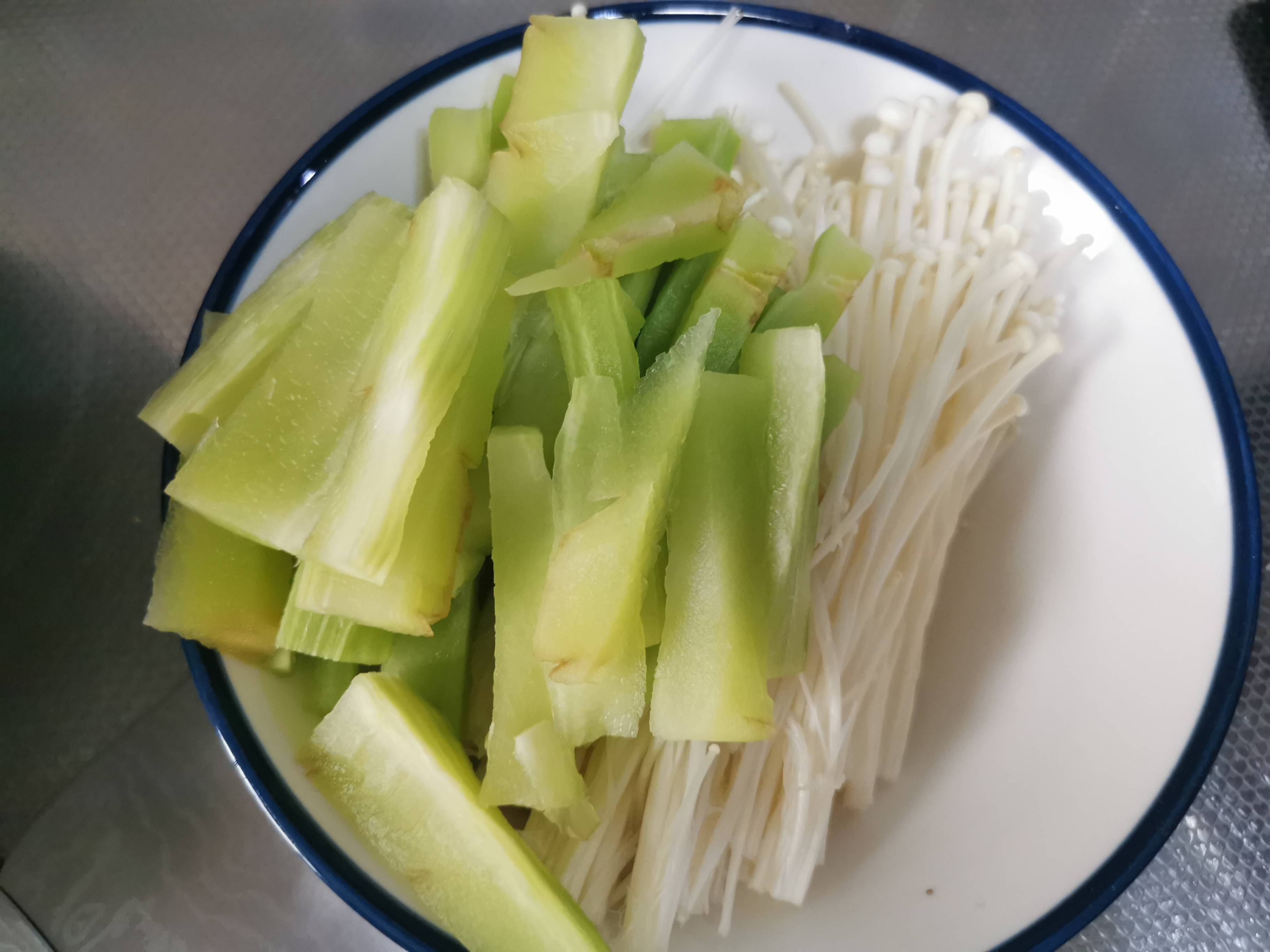 能吃两碗饭的创新酸菜鱼的家常做法