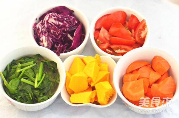 五彩缤纷蔬菜面条的做法大全