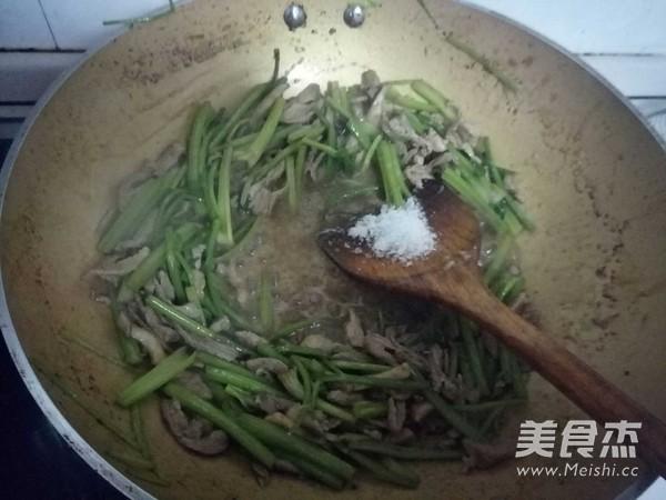芹菜炒肉丝怎么煮