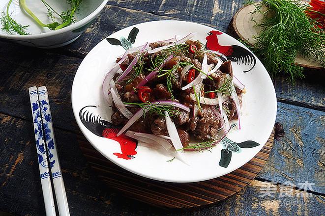 梅子洋葱拌牛肉成品图