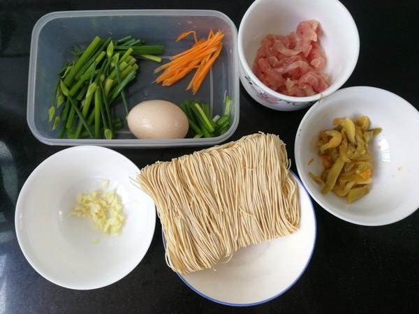 榨菜肉丝炒面的做法大全