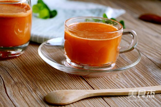 胡萝卜苹果汁成品图