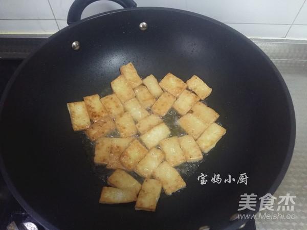芹菜炒豆腐的家常做法