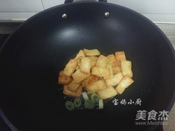 芹菜炒豆腐的简单做法
