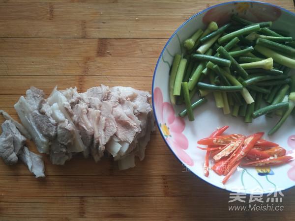 蒜苔回锅肉的家常做法