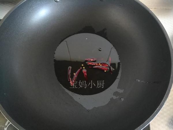 肉丁香炒黄豆芽的家常做法