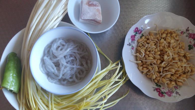 黄豆芽炒蒜黄的做法大全