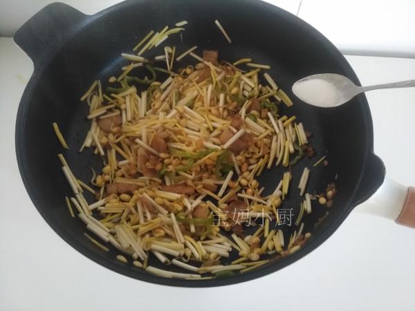 黄豆芽炒蒜黄怎么做