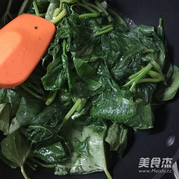 黄豆酱炒番薯叶怎么做