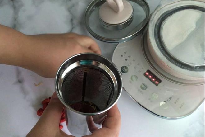 红枣枸杞菊花茶的做法图解