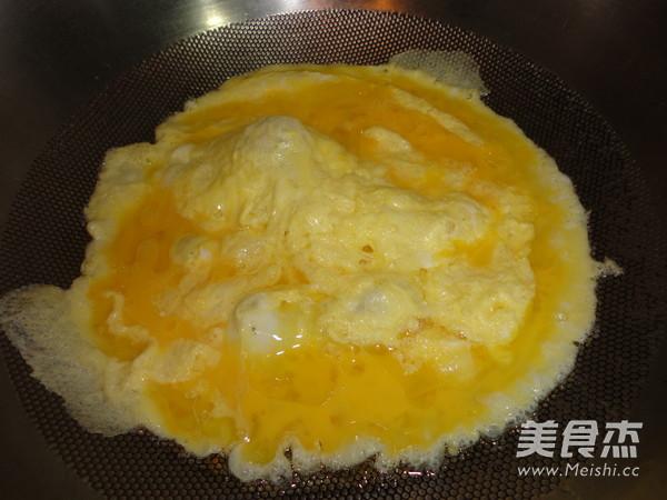 蒜苗炒鸡蛋的简单做法
