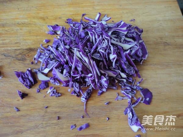 紫甘蓝汁豆沙葡萄的做法图解
