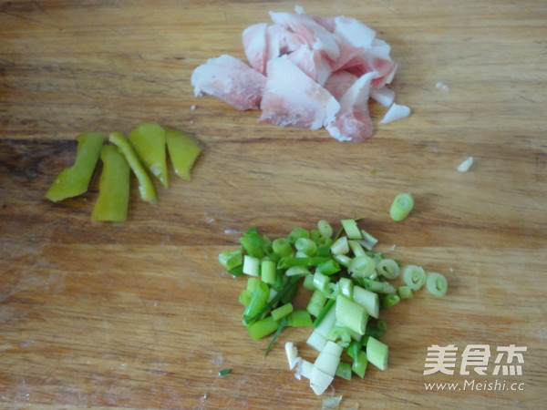 包菜炒西红柿的家常做法