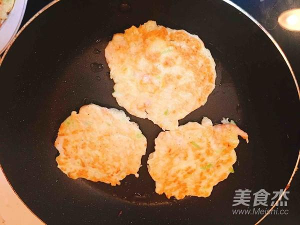 萝卜丝虾饼怎么炒