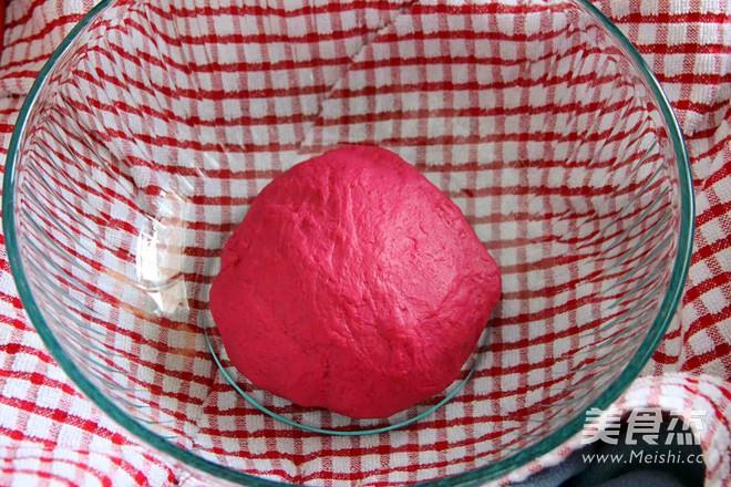 天然红糯米餐包的家常做法