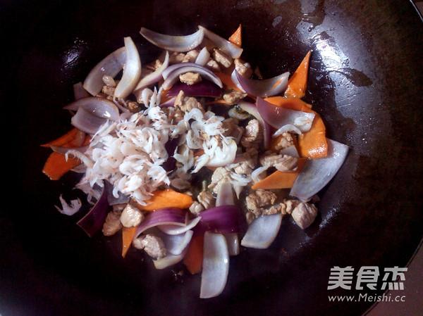 西葫芦炒肉怎么炒