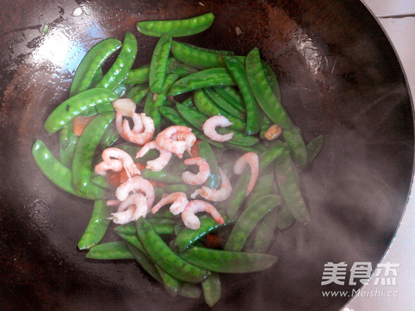 荷兰豆炒虾仁怎么做