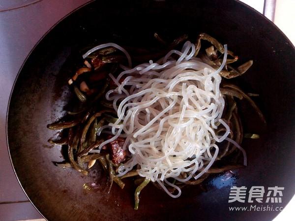 红烧肉炖干豆角怎么吃