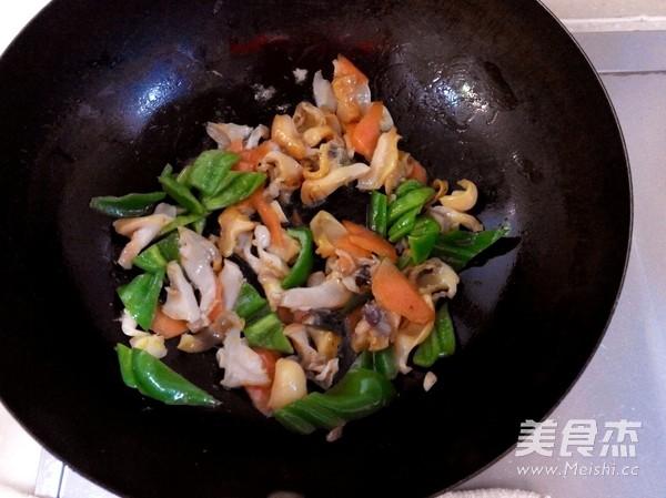 青椒爆海螺怎么吃