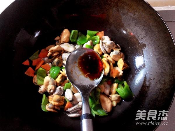 青椒炒贻贝怎么炒