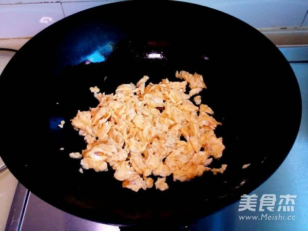 虾仁鸡蛋饭的家常做法