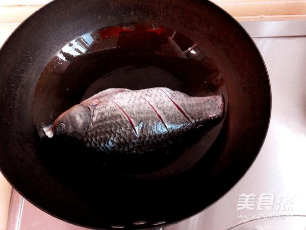 春笋鲫鱼汤的做法图解