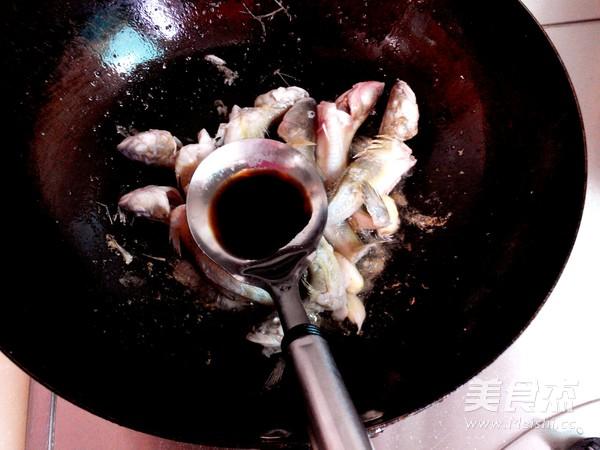 海鲶鱼炖腐竹的简单做法