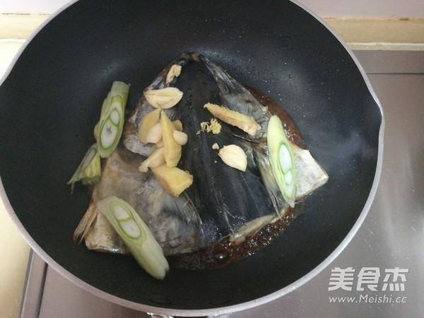 红烧鲅鱼头怎么炒