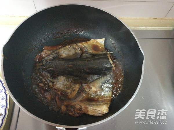 红烧鲅鱼头怎么炖