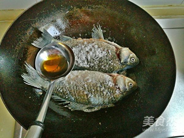 糖醋鲫鱼怎么吃