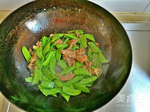 荷兰豆虾仁炒牛肉怎么炒
