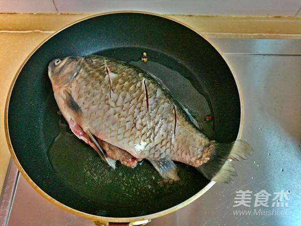 红烧鲫鱼的简单做法