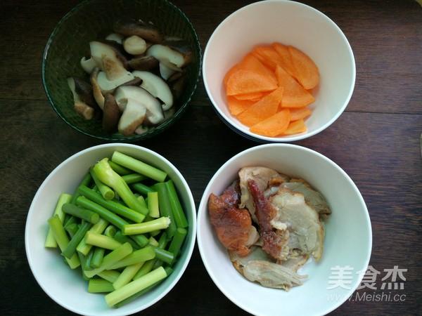 蒜苔香菇炒烤鸭肉的做法大全